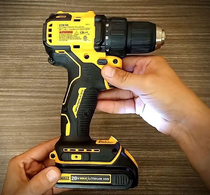 Dewalt DCD708 drill driver