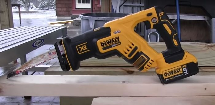Dewalt DCS367 reciprocating saw